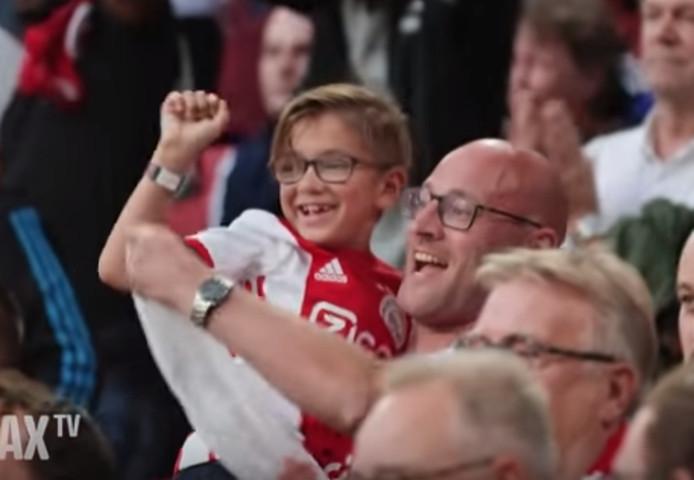 Aart Overbeek en zijn zoontje Dex uit Apeldoorn.
