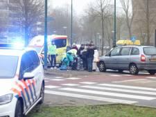 Tiener gewond na aanrijding op rotonde in Soest