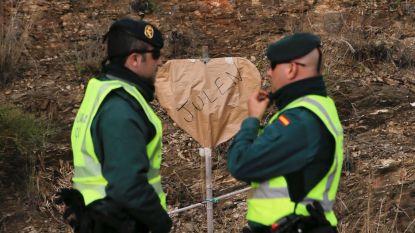 Mijnwerkers graven laatste meters naar Spaanse peuter Julen met de hand, maar klok tikt genadeloos verder