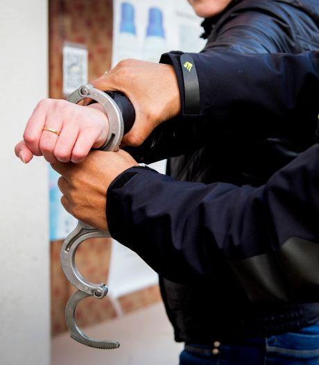 Man (33) lapt gebiedsverbod voor Sliedrecht aan zijn laars, politie pakt hem op