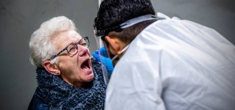 Pas op voor coronatest-moeheid: 'Ook na 5 negatieve testen én prik blijft het nodig'
