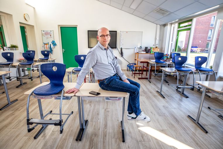 Jan Willem Stegeman, directeur SBO de Welle in Almelo.  Beeld Raymond Rutting / de Volkskrant
