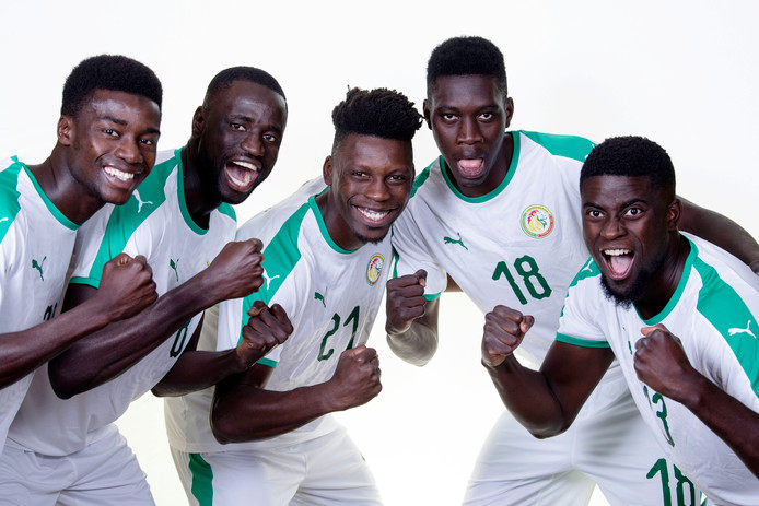 Moussa Wague, Cheikhou Koyate, Lamine Gassama, Ismaila Sarr en Alfred Ndiaye  (Senegal).