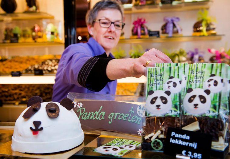 De gemeente Rhenen is bezaaid met pandavlaggen, pandataarten, pandaknuffels, pandachocola en panda-ijs. Beeld anp