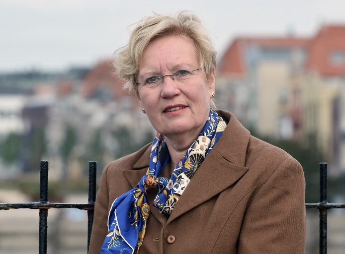 Burgemeester Letty Demmers.