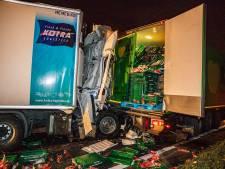 Vrachtwagenchauffeur van bedrijf uit Breskens wonderwel niet gewond na ongeluk bij Oosterhout
