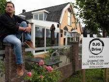 Reclameverbod langs de weg: 'Mijn boerderij geel verven mag wel, een bord langs de weg niet'