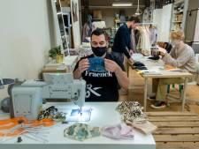 Arnhemse ontwerper maakt even geen tassen, maar stijlvolle mondkapjes