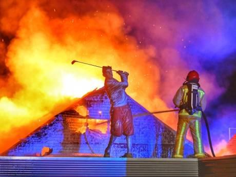 Grote uitslaande brand in pand Hof van Heden in Bergeijk