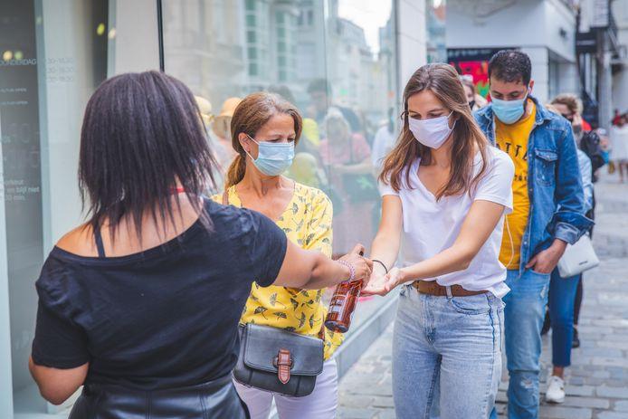 Mondmaskers blijven verplicht in Gent.