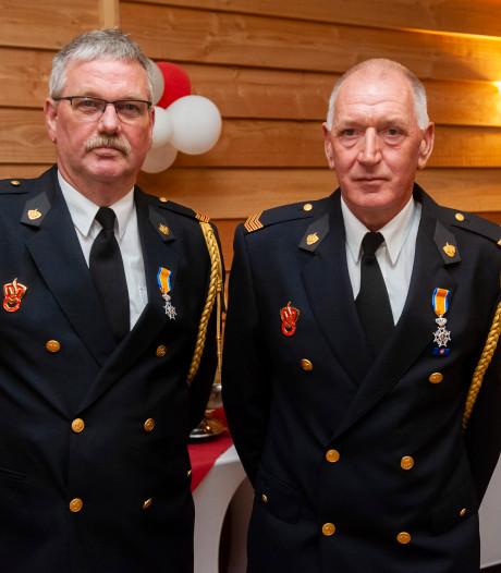 Lintjes voor brandweermannen uit Haaften
