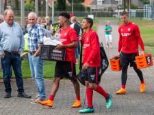 FC Twente timmert in De Lutte een noodgebouw