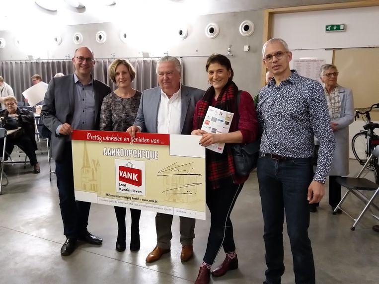 Mieke Aussems was heel blij met het winnen van de hoofdprijs