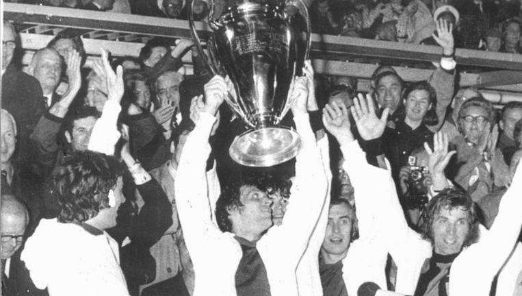 Ajax met de Europa Cup I in 1972. Beeld anp