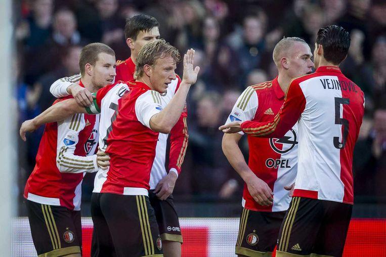 Feyenoord viert de 2-0 van Simon Gustafson (L) met Dirk Kuyt (M) en Marko Vejinovic (R) Beeld anp