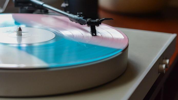 Les vinyles sont composés de PVC, un composant produit avec du pétrole