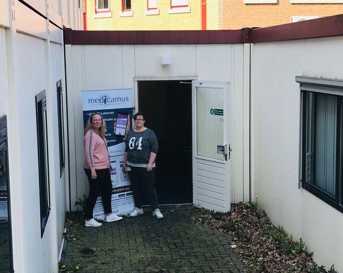 Wendy Schuiling (manager backoffice Medicamus Spoedpost) en Heidi van den Os (manager Medicamus Spoedpost)