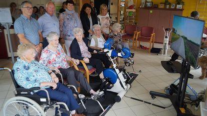 Senioren genieten van virtuele fietsritjes door eigen streek