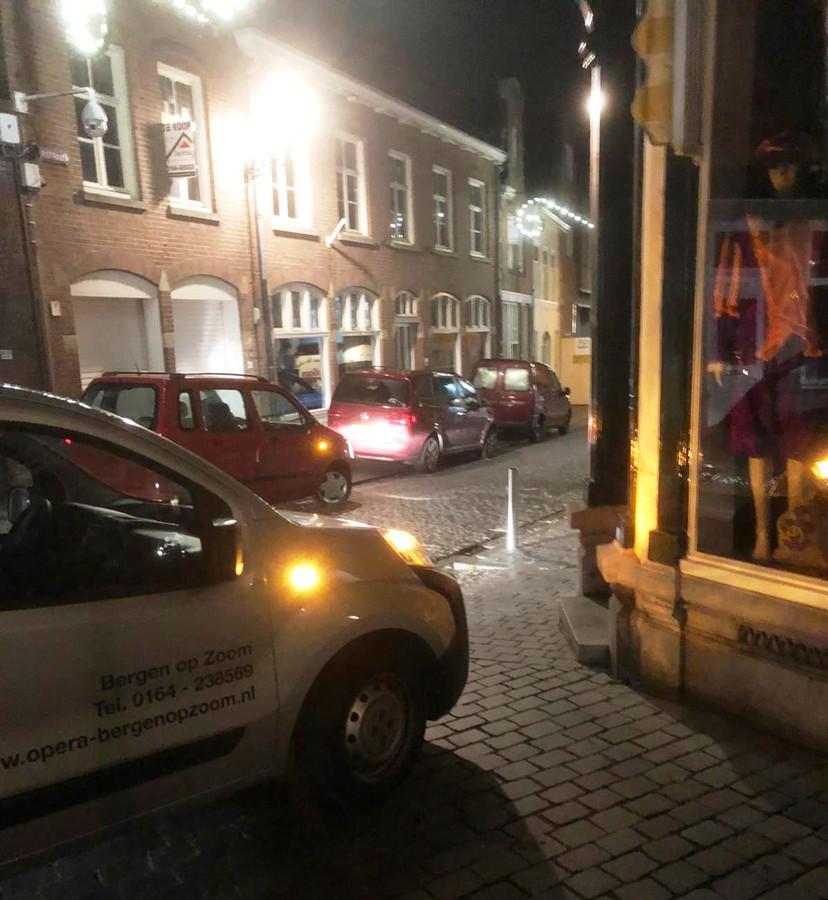 Parkeren op de hoek Bosstraat en Potterstraat. Het is van vele voorbeelden.