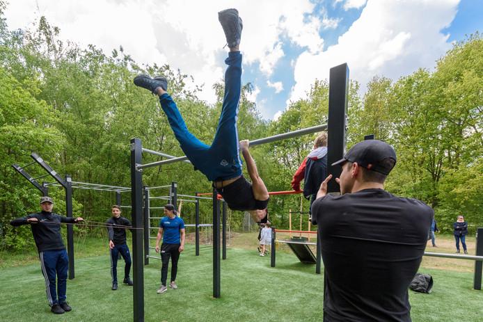 NUENEN - Opening calisthenics park bij de Pastoorsmast