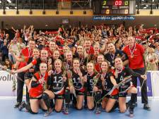 Volleybalsters Apollo 8 met erehaag ontvangen in Borne