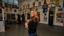 Diana van den Heerik in de boksschool van haar overleden vader. ,,Voor de trainingen beginnen, spelen we Eye Of The Tiger. Een eerbetoon.''