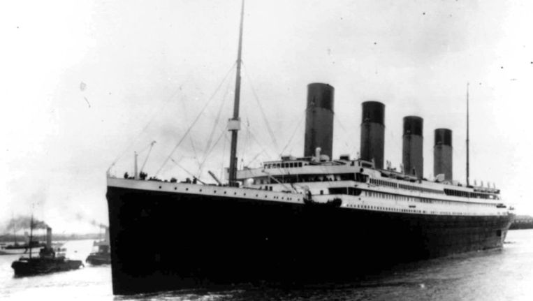 De Titanic op 10 april 1912. Passagiers uit de eerste klasse bleken de scheepsramp vaker te overleven dan passagiers uit lagere klassen. Beeld ap