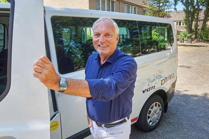 Roland de Winter uit Uden. Na het faillissement van De Winter Media Groep is hij nu taxichauffeur bij Van Driel.