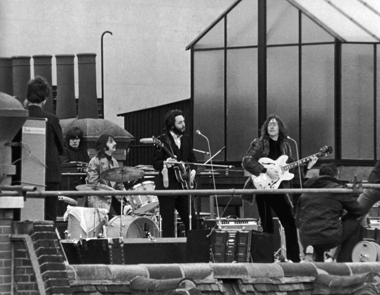 Optreden op het dak van de Apple-studio op 30 januari 1969. Beeld