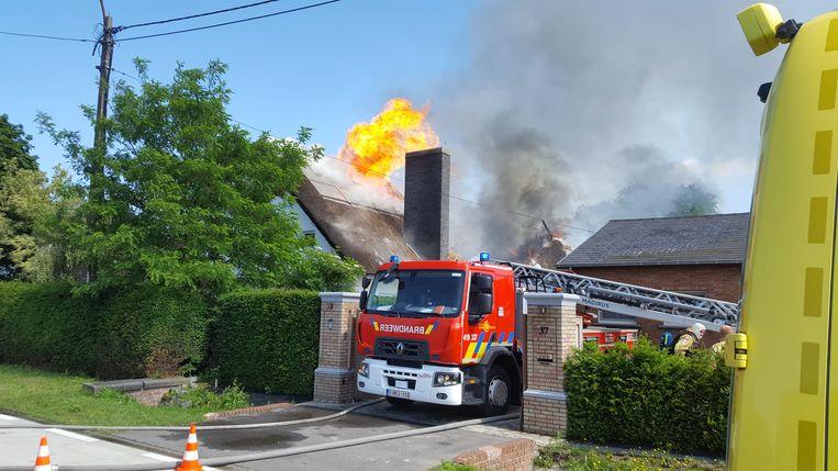 De woning werd volledig verwoest door de brand.