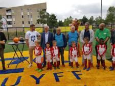 Cruyff Court aan de Brabantstraat in Oss officieel in gebruik genomen