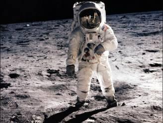 Neil Armstrong legt 'conspiracy theorists' het zwijgen op