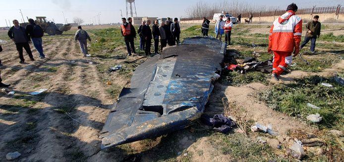 Brokstukken van vlucht PS752, die net was opgestegen van het vliegveld van Teheran.