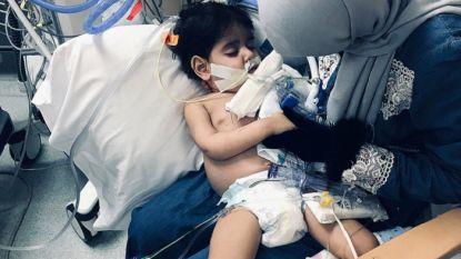 Jemenitisch jongetje (2) in VS overleden na onmenselijke visumstrijd moeder