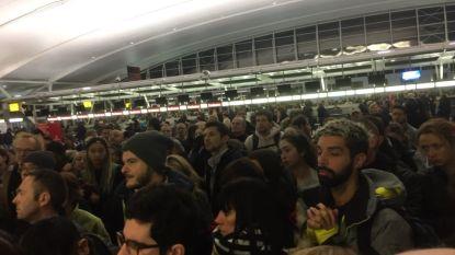"""Belgisch gezin al vier dagen vast op luchthaven New York: """"We zitten er helemaal doorheen"""""""