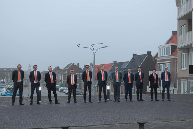 De zes raadsleden van de SGP in Tholen en hun medewerkers presenteren zich op hun eigen Facebookpagina. Beeld sgp tholen