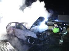 Serie autobranden in Arnhem en Malden, politie zoekt getuigen