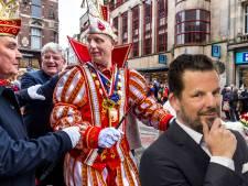 Jerry bewondert de Utrechtse prins Carnaval, die als malle Eppie door de stad gaat