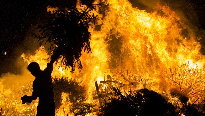 Brandweer Haaglanden geeft tijdens jaarwisseling prioriteit aan grote branden.