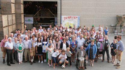 Inwoners Gentsestraat vieren midzomer bierfeest