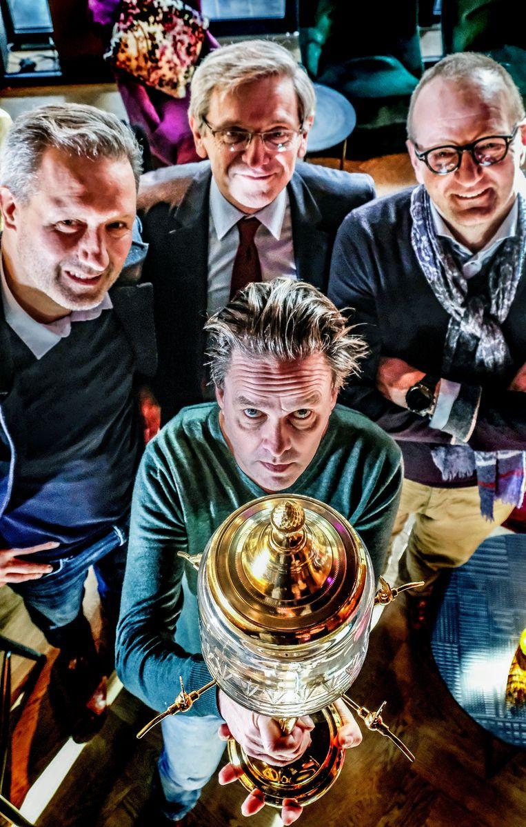 Piet De Praitere - met Tom Adins, Luc Keppens en Leopold Dekeyser van Mercurius - kijkt uit naar de alternatieve misviering.