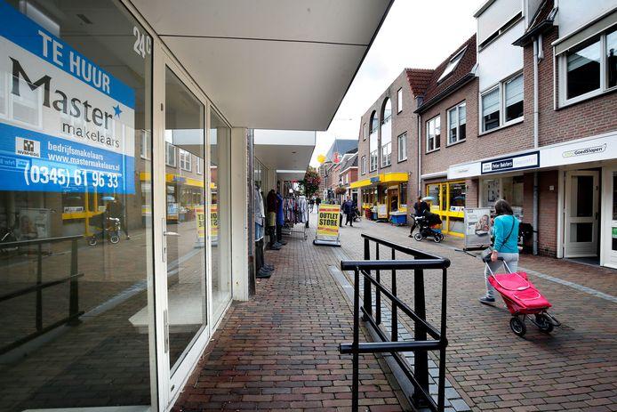Leegstand in de binnenstad van Leerdam. De gemeente zint op maatregelen.