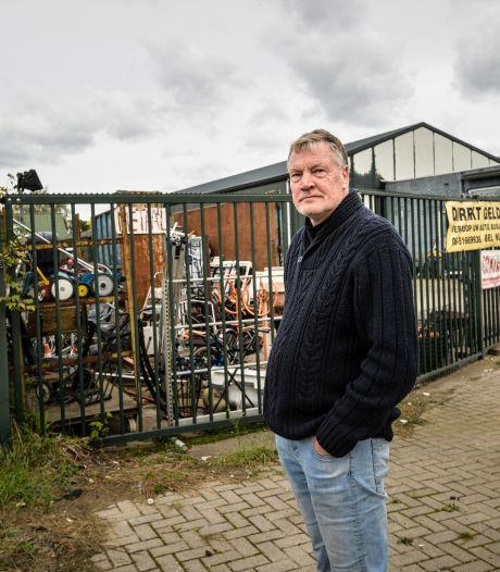 Een miljoen autobanden naast de deur van deze Enschedeër? 'Ik weet nergens van'