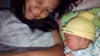 Bittere pil na bevalling in vliegtuig: rekening ziekenhuis is 9.800 euro