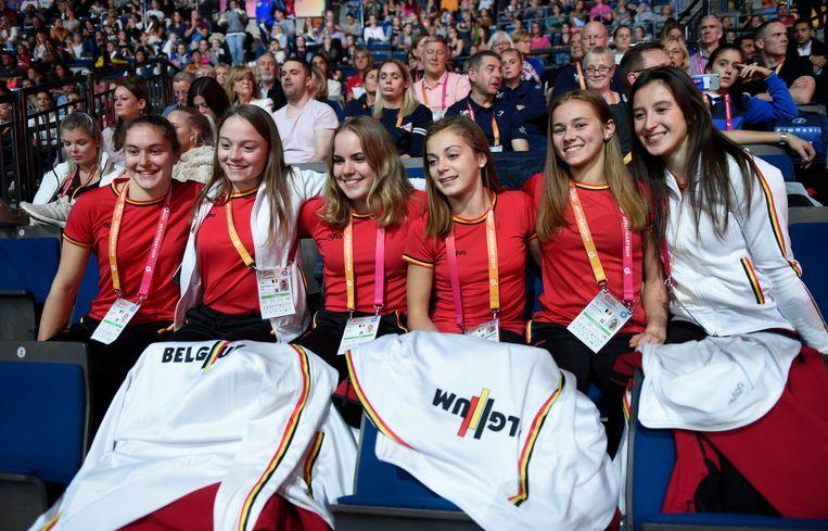 Maellyse Brassart, Jade Vansteenkiste, Senna Deriks, Julie Vandamme, Margaux Daveloose  en Nina Derwael presenteerden zich op het WK als een hechte vriendengroep.