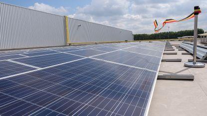 Zonnepanelen op dak sporthal Sint-Laureins en gemeenteschool Watervliet