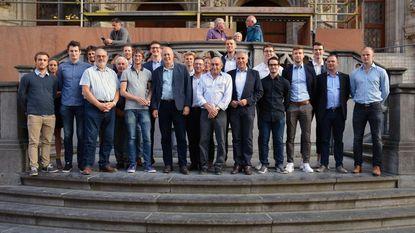 Volleybalclub VHL op Leuvens stadhuis ontvangen