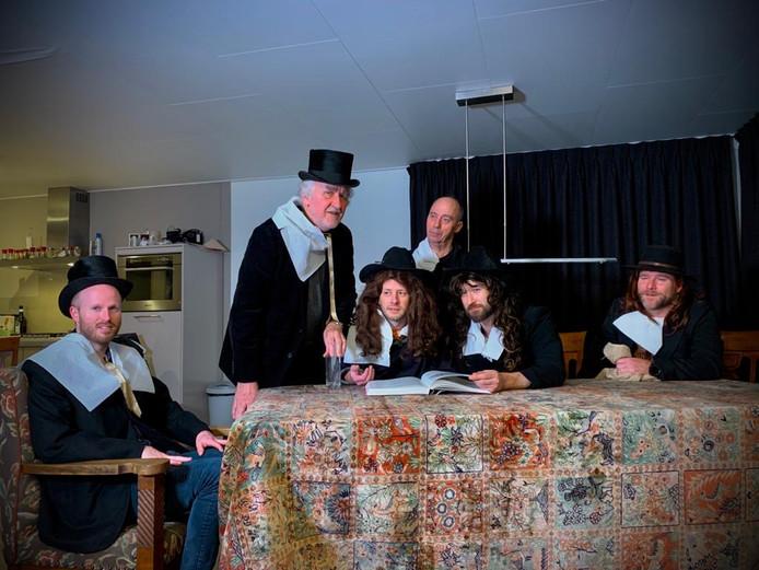 Het team De Brouwers haalde alles uit de kast om het schilderij De staalmeesters zo goed mogelijk na te bootsen.