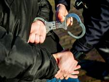 Twee mannen aangehouden in Dordrecht na stelen bestelwagen van pakketbezorger