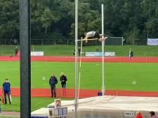 Atleet Owen Beuckens rijgt succes aan succes, goud bij het polsstokhoogspringen na brons op de meerkamp